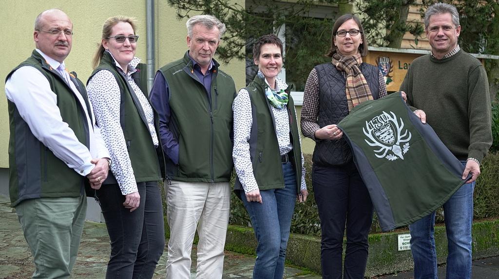 LJV-Vizepräsident Dieter Mackenrodt (rechts) und das LJV-Team freuen sich über den Beginn einer Zusammenarbeit mit Frankonia. Foto: Markus Stifter